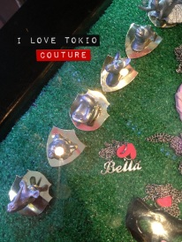 Broches i Love Tokio Couture